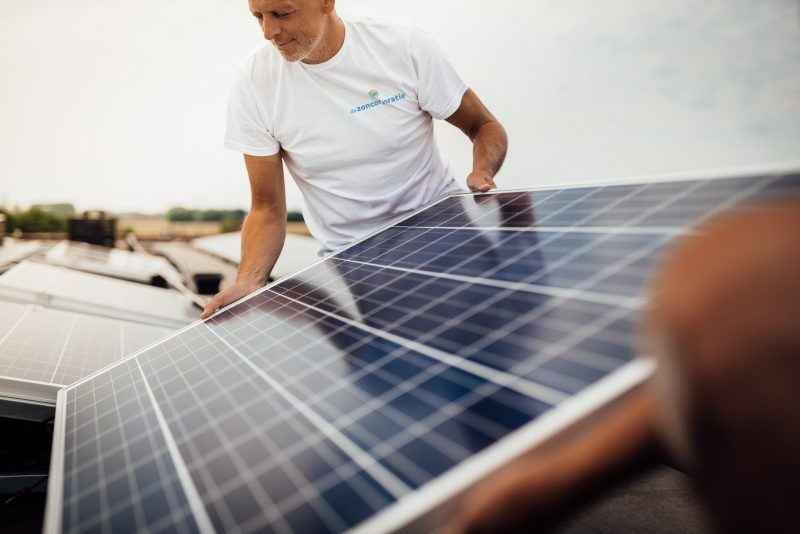 De Zoncorporatie - zonnepanelen installeren op dak 16
